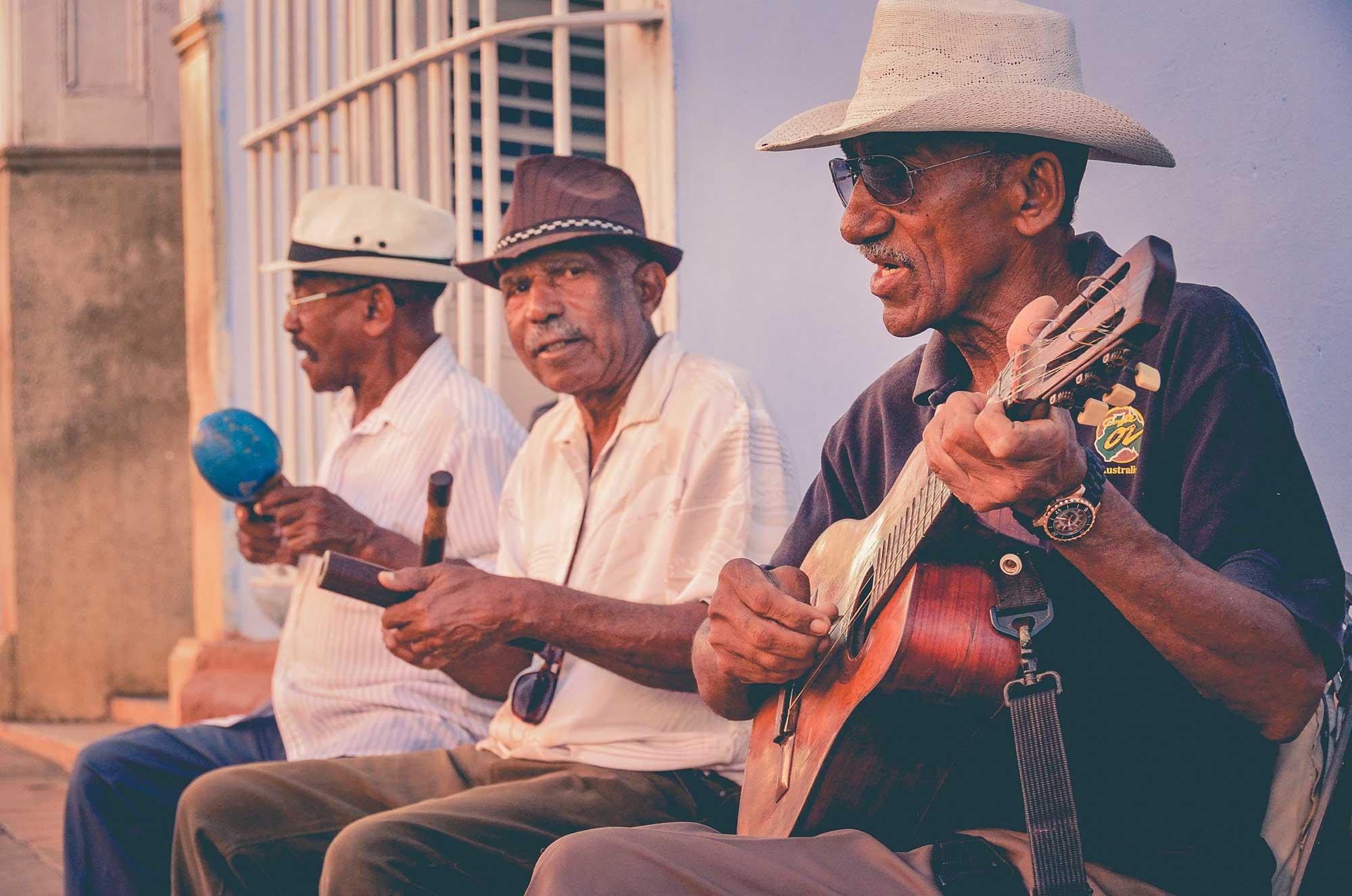 Jose Mier and street band Havana